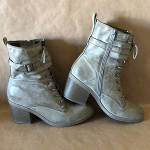 G BY GUESS Gray Lace Zip Up Combat Ankle Boot 9.5